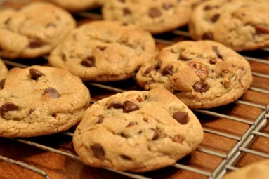 Tasty and Crunchy Chocolate Cookies Recipe